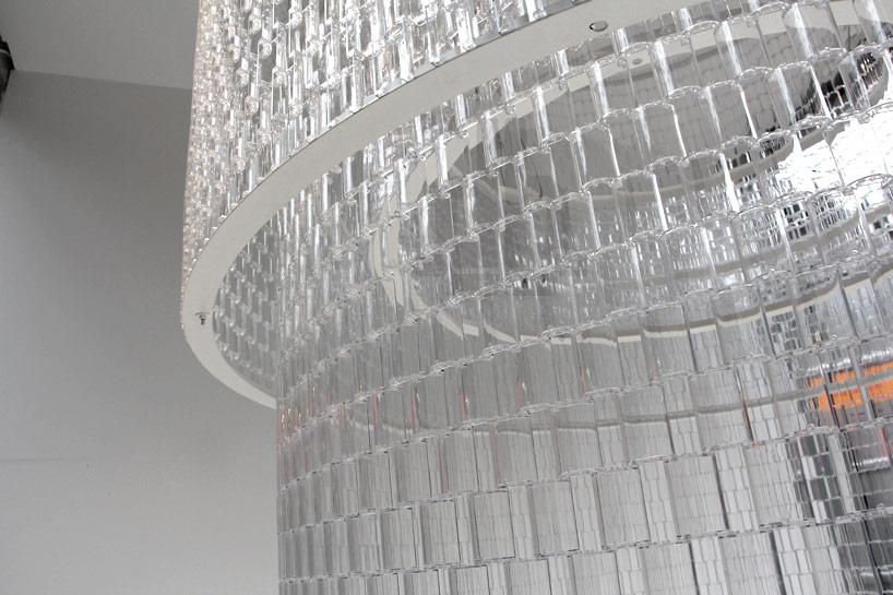 *透明的LEGO大型水晶吊燈:設計師Tobias Tøstesen親手編造! 1