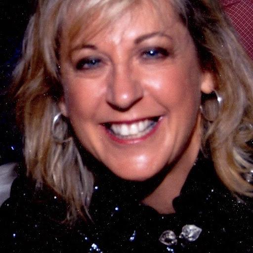 Linda Norris Photo 9