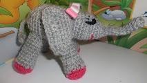 Amigurumi de elefante a crochet o ganchillo