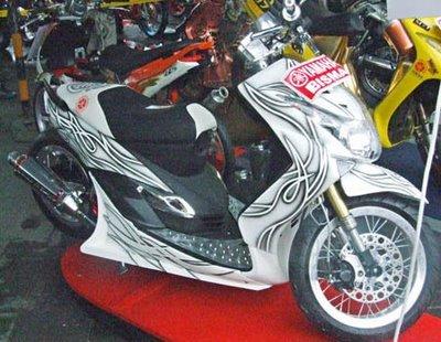 terbaru modifikasi motor mio sporty 2010