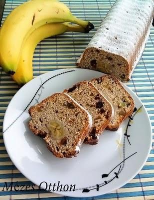 banánkenyér mazsolával fotó