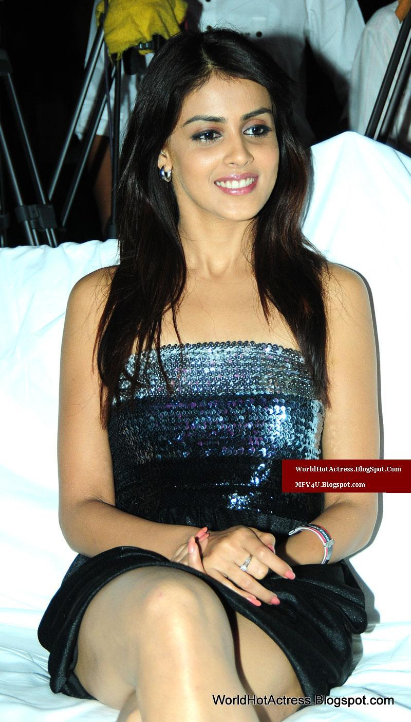 Genelia Desouza In Bollywood Private Night Function First -3884