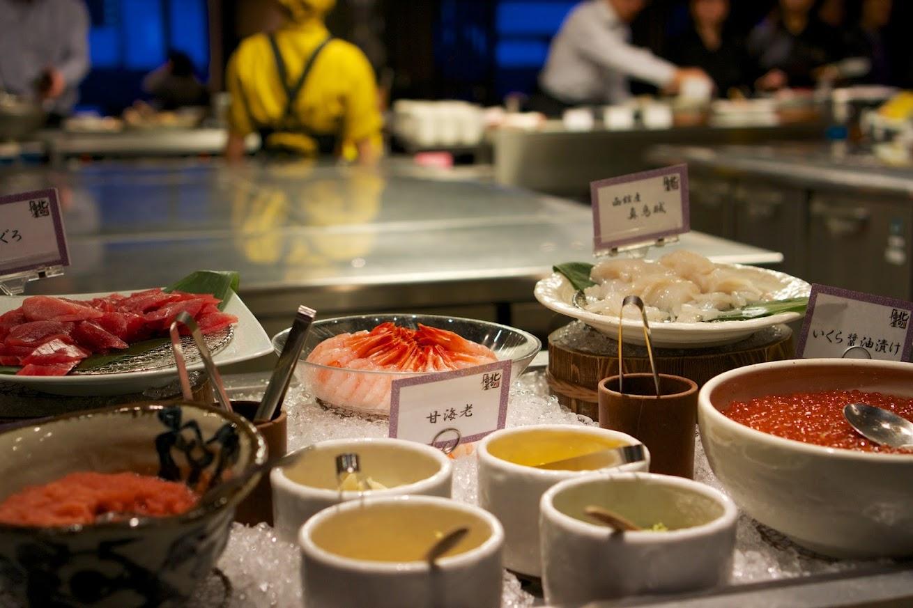 盛り放題の海鮮丼