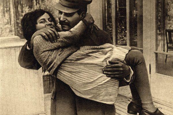 Svetlana Stalina con su padre Stalin, Cortesía de Icarus Films