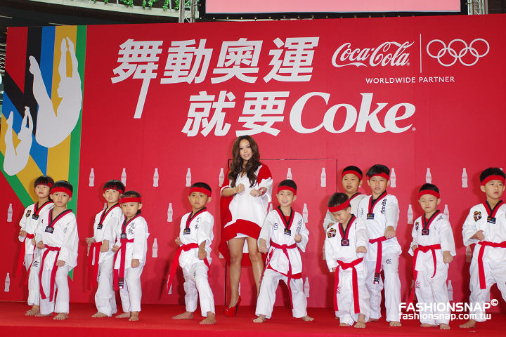 2012.05.29 天后張惠妹化身勝利女神 出席「舞動奧運 就要Coke」