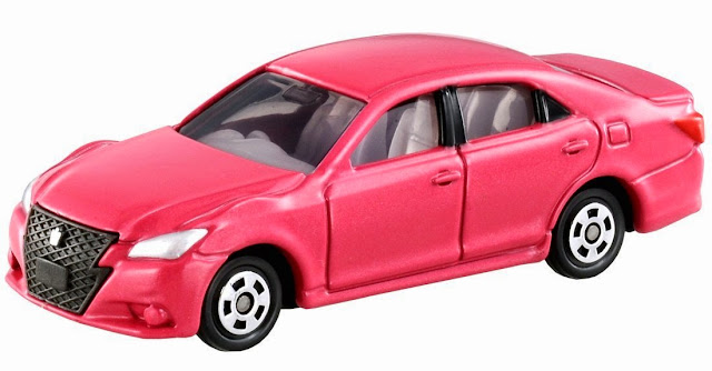 Chiếc Tomica 092 Toyota Crown Athlete màu hồng trẻ trung