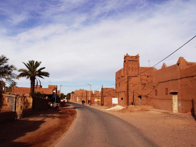 Marrocos e Mauritãnia a Queimar Pneu e Gasolina - Página 12 DSCF1440