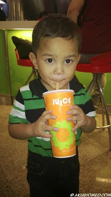 baby aslah minum jus buah juice works