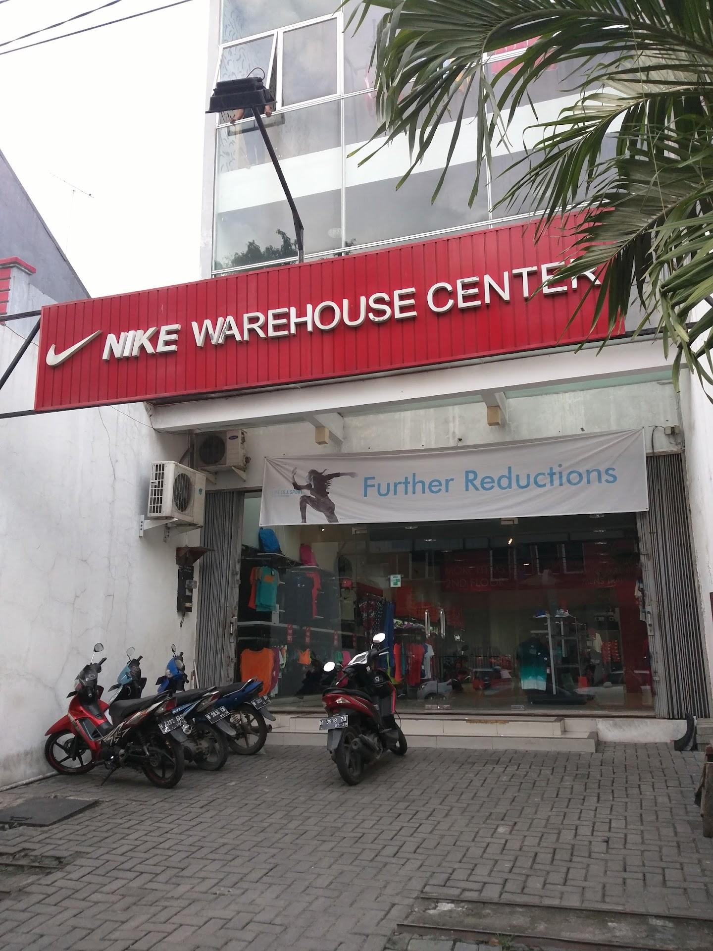 30d78befaf77cb Nike Warehouse Center - Toko