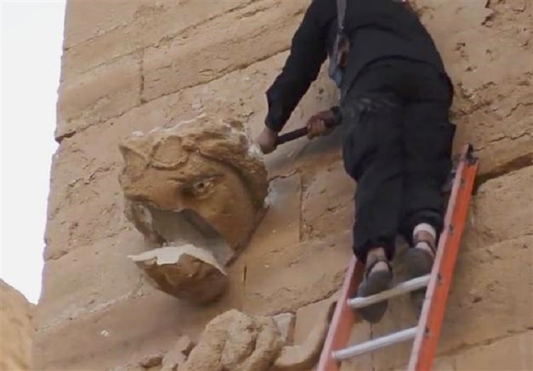Iraq: ISIS destroys historic statues at Iraq's Hatra