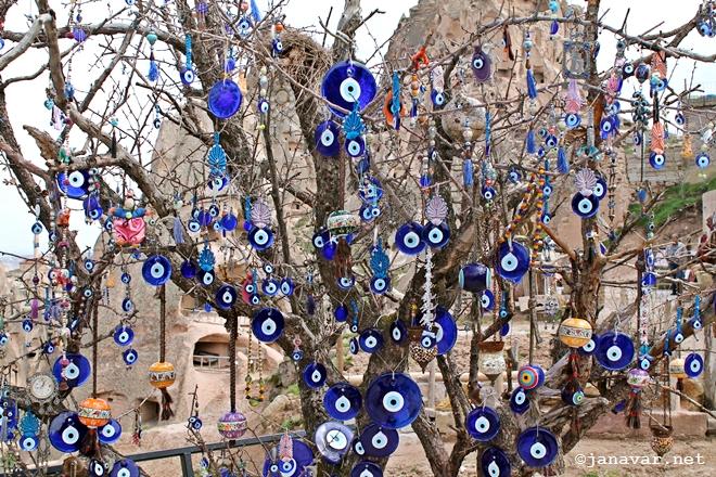 Boncuk tree in Derinkuyu, Cappadocia