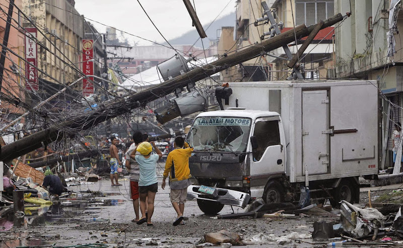 Photos-Caused-by-Typhoon-Yolanda-Haiyan-11-16-2013-01