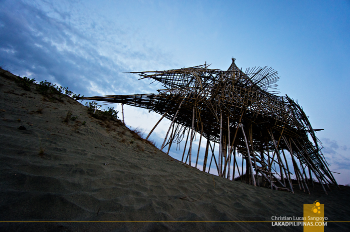 A Stop at Leeroy New's Art Installation at the Paoay Sand Dunes