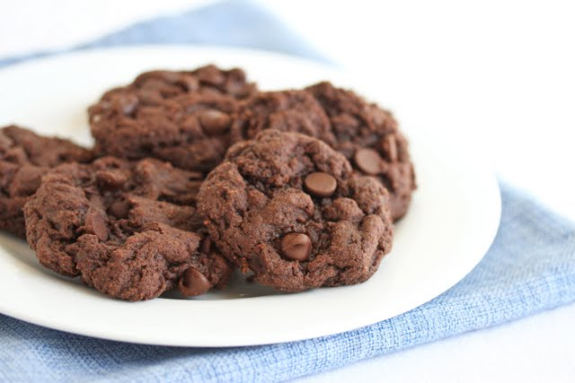 photo of a plate of cookies