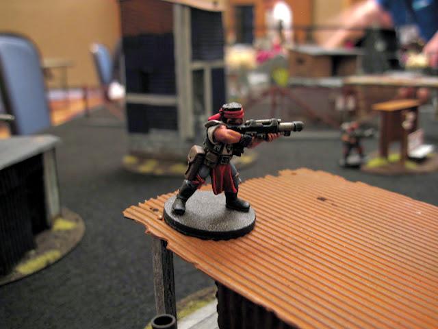 A lasgunner takes aim at berzerkmonkey's leader.