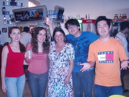 Bru, Civer, eterna Lilly, eu & Tommy no La Bodega