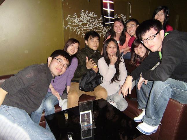 這是來自臺灣和新加坡的大家的合照@club