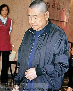 劉鑾雄昨日面帶愁容,未有回應關於馬會終止會籍的提問。