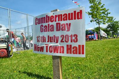13-07-2013 - By Scott Campbell (+44) 0774 296 870 - Cumbernauld Gala Day, 2013, at Cumbernauld New Town Hall; Cumbernauld Gala Day 2013 sign on N. Carbrain Rd.