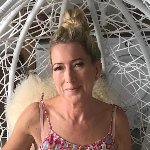 Laura Tennant