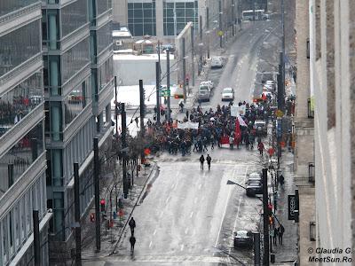 Proteste de strada in Montreal.
