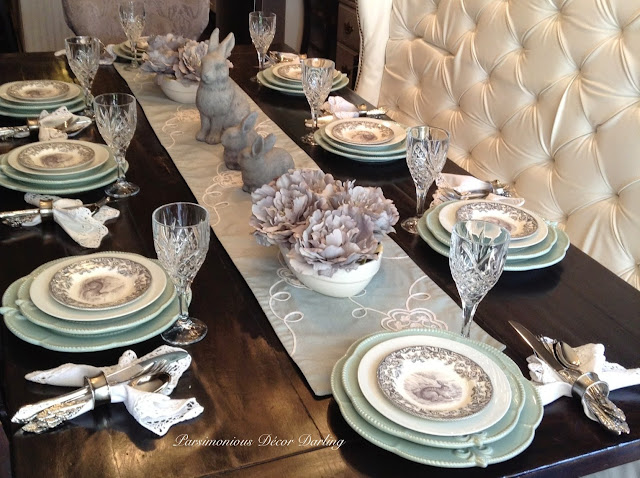 Completed tablescape & Parsimonious Décor Darling: Set Your Table With Flair--Subtle and ...