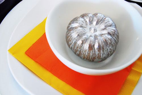 metallic pumpkin place settings