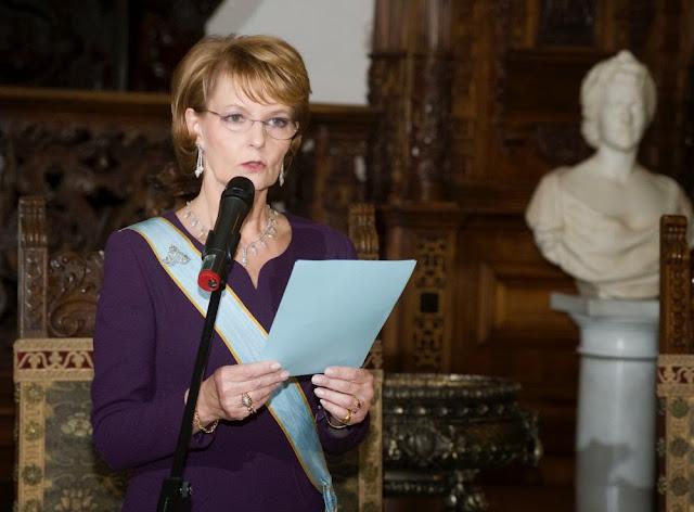 Fundaţia Principesa Margareta a României a premiat cei mai implicaţi voluntari ai anului 2013