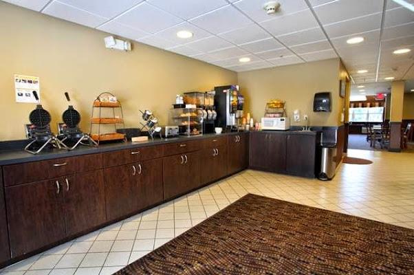 GuestHouse Inn & Suites Seaside