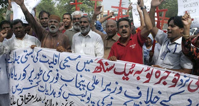 Pakistan: 'Brutal injustice' meted out to Christians; church and homes destroyed