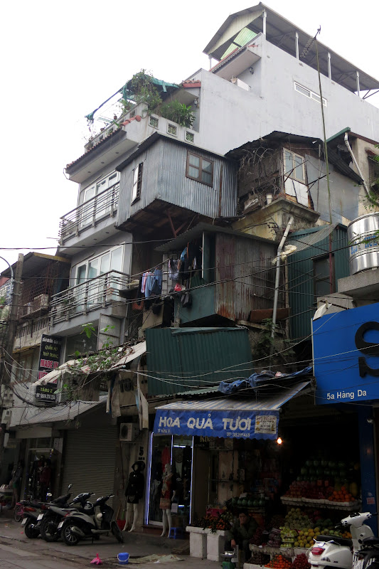 Multilevel housing, Hàng Da street