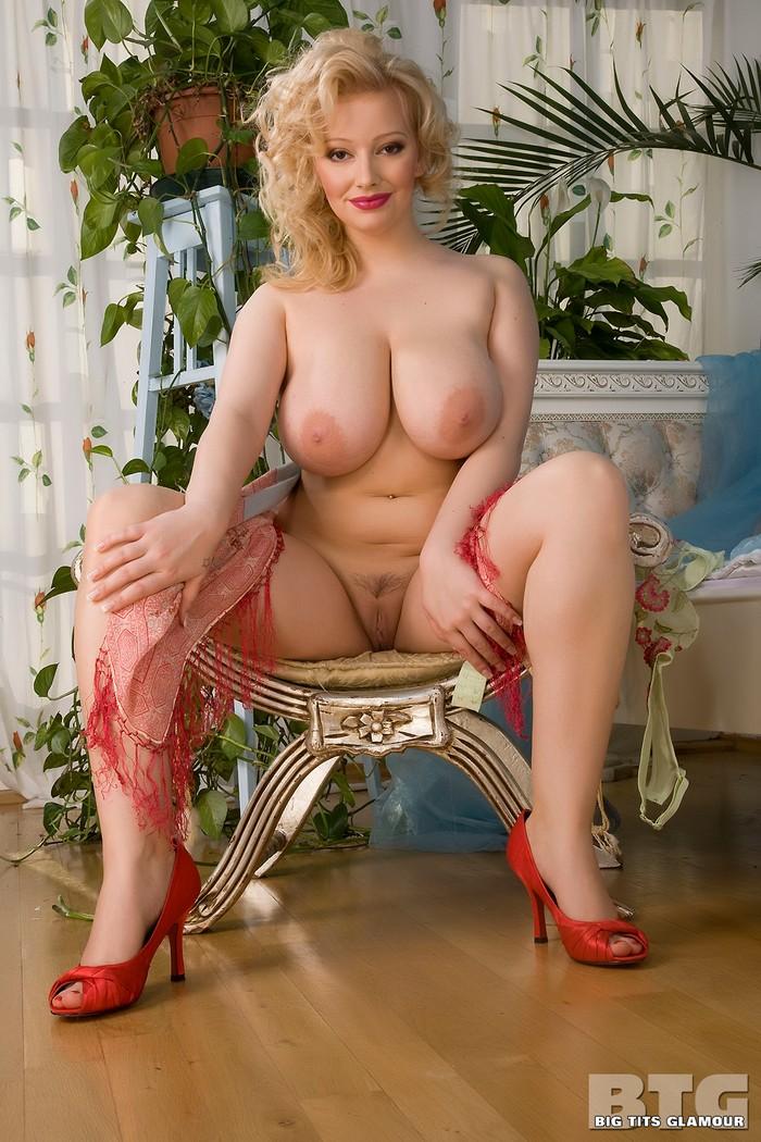 Фото голая софия мей