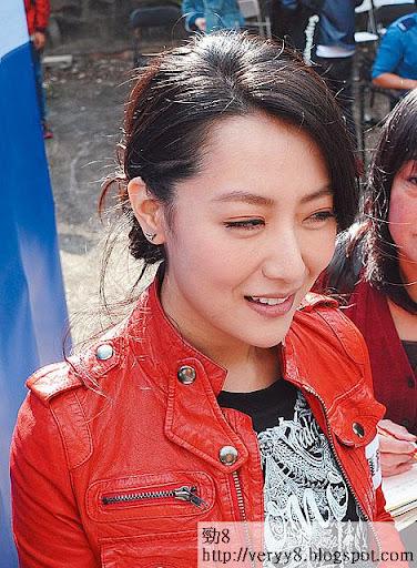 雖然香港觀眾唔識,但白冰係公司力捧女星,做新片女主角必然。