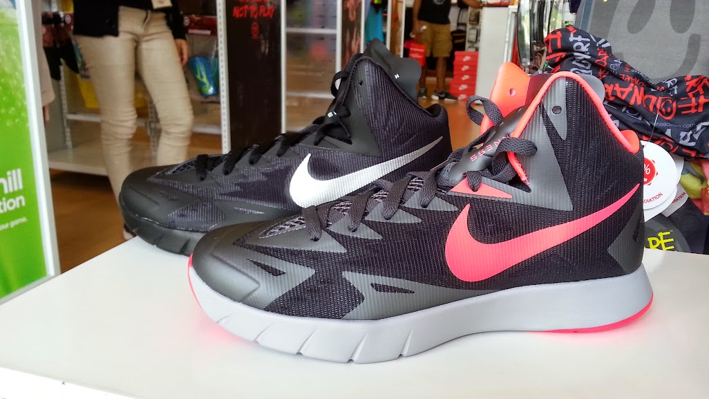 check out 4904a f0e18 Using same midsole as the Nike Zoom HyperRev only with Lunarlon instead of  Zoom, expect this shoe to provide top cushioning when you play.
