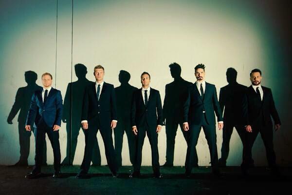 Backstreet Boys - Những Chàng Trai Làm Khuynh Đảo Thế Giới 934945_213444948804452_1611830144_n