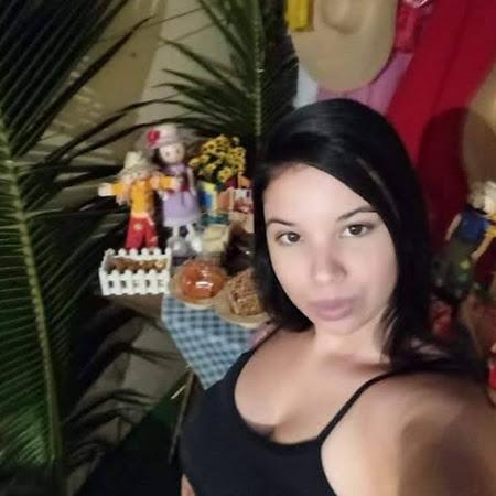 Monique Alves