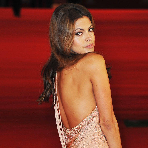 Eva Mendes: Miami-born American actress, Eva Mendes began her acting career in the late 1990s, and after a series of roles in B movies such as Children of the Corn V: Fields of Terror. Every action movie needs a babe and Eva Mendes has the fine curves that makes others go down on their knees.