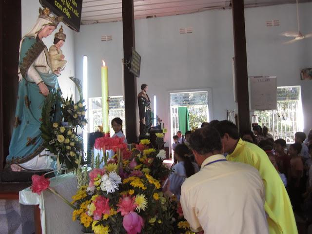 Giáo xứ Đồng Hộ sống tháng HOA