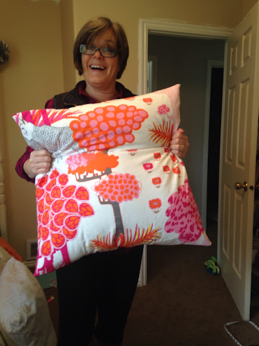 Sewing pillow covers, easy envelope pillow cover tutorial