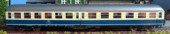 Roco 4280: Eilzugwagen met middeninstap 1e/2e klasse - type ABym