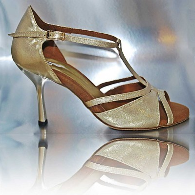 http://cosibcnshoes.es/producto/dsc_082/