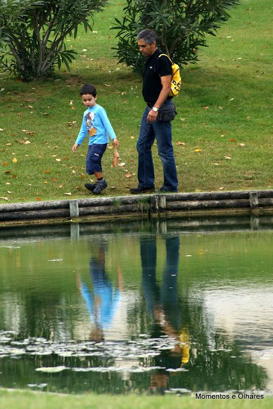 Junto ao lago