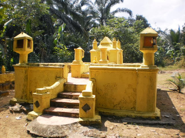 Makam-Dol-Said-Tomb-of-Dol-Said