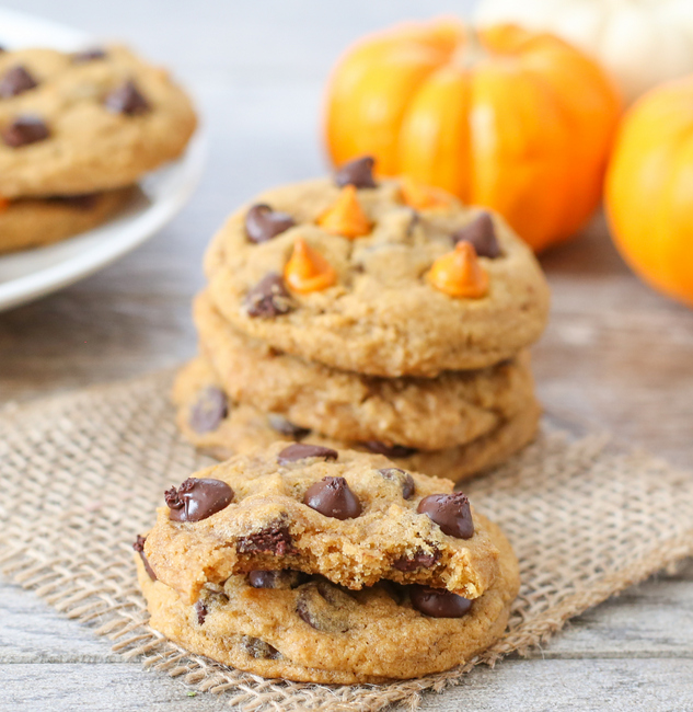 close-up photo of two cookies