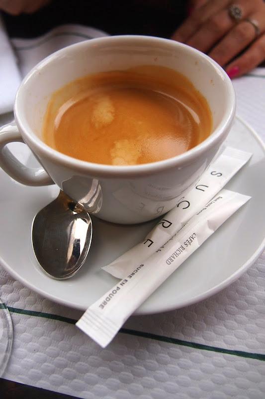 パリ 朝ごはん