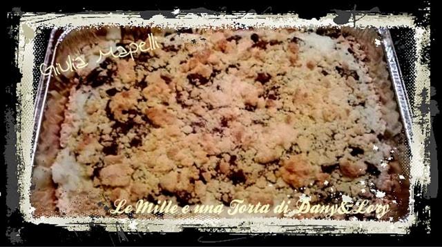 sbriciolata ripiena con crema di cocco e scaglie di cioccolato