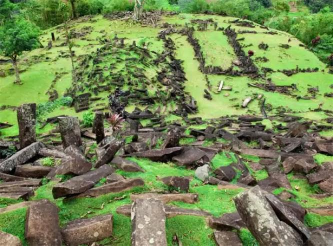 More Stuff: Archaeologists call for protection of Javanese megalithic site
