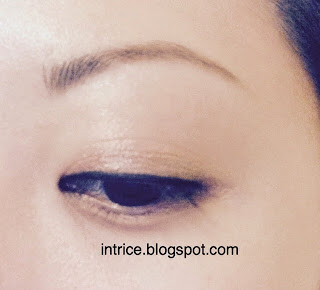 Rimmel London Scandaleyes Eyeliner in Black and Gentle Eye Makeup Remover - photo credit: intrice.blogspot.com