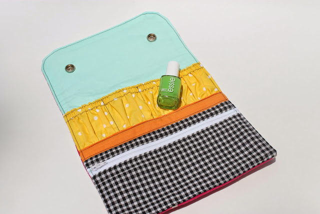 snappy mani pouch by noodlehead, sewed by dandelions and lace