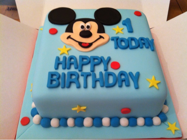 THAT GUY WHO MAKES CAKES Taking the Mickey